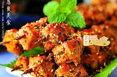 秋风起,来串香嫩过瘾滋味一流的烤肉——让肉质细嫩的大秘方