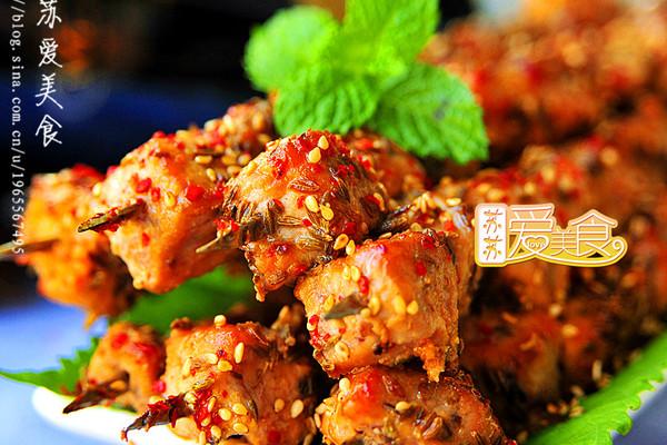 秋风起,来串香嫩过瘾滋味一流的烤肉——让肉质细嫩的大秘方的做法