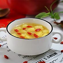 #憋在家里吃什么#润肺去燥,美容养颜的苹果银耳羹