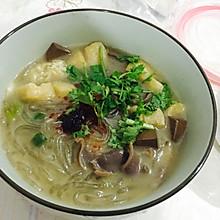 简易版鸭血粉丝汤