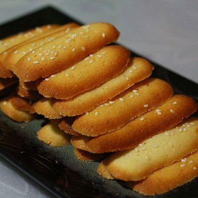 蛋白薄脆芝麻饼