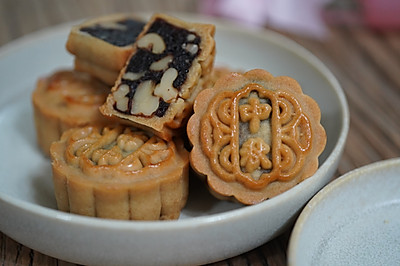 广式枣泥核桃月饼(自制纯枣泥馅)