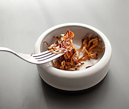 炸洋葱,酥脆酥脆--泰式洋葱干的做法
