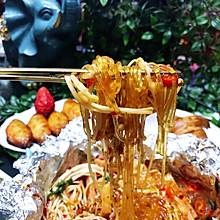 #春季减肥,边吃边瘦#锡纸香辣金针菇粉丝煲