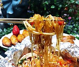 #春季减肥,边吃边瘦#锡纸香辣金针菇粉丝煲的做法