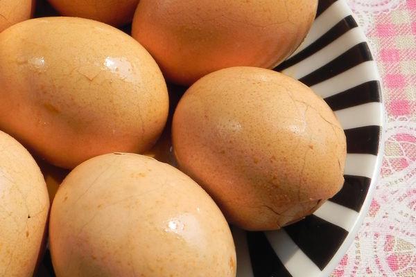 卤蛋的做法