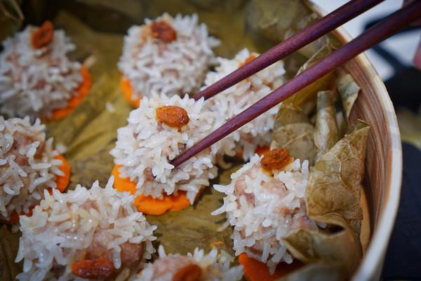 荷叶糯米肉丸的做法