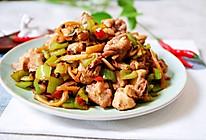 #入秋滋补正当时#开胃下饭的仔姜炒兔肉的做法