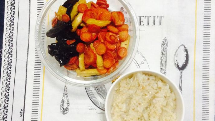 【健身餐】香干+木耳+胡萝卜+糙米饭