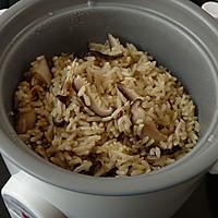 腊肉香菇炒糙米饭#美的初心电饭煲#的做法图解7