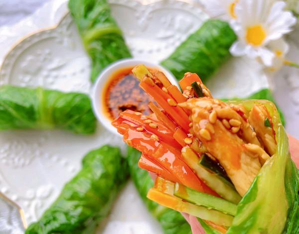 减脂必备!低卡低脂的生菜鸡肉卷