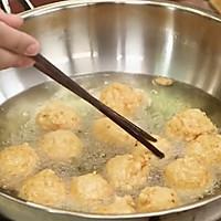 《回家吃饭》菠萝咕咾虾球的做法图解4