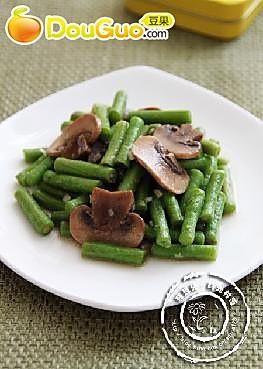 鲜蘑烧豇豆的做法