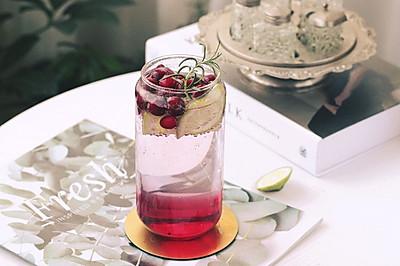 蔓越青柠莓苏打