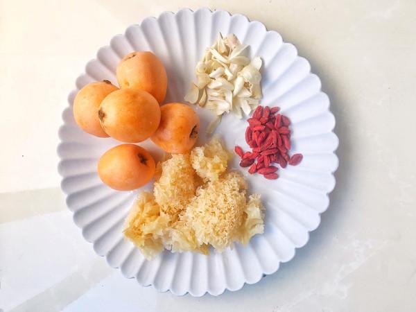 #母亲节,给妈妈做道菜#枇杷百合雪耳羹