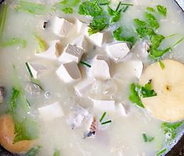 #全电厨王料理挑战赛热力开战!# 超鲜的奶白黑鱼汤的做法