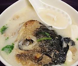 鱼头豆腐菌菇煲的做法