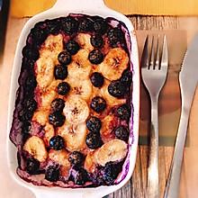 肉桂香蕉蓝莓烤燕麦