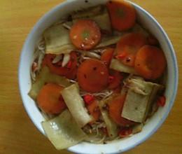 千张胡萝卜冬瓜面的做法