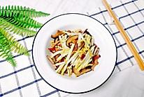 香蘑蒜黄炒腊肠的做法