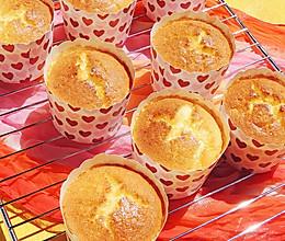 蜂蜜牛奶纸杯蛋糕#十二道锋味复刻#的做法