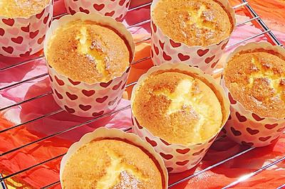 蜂蜜牛奶纸杯蛋糕#十二道锋味复刻#