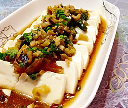 #夏日素食#榨菜皮蛋拌豆腐的做法