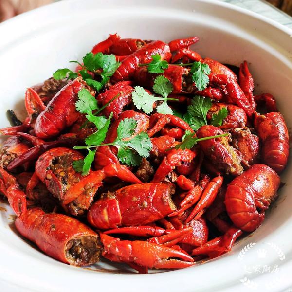 家庭版潜江油焖大虾的做法