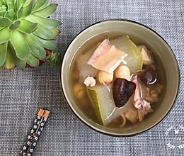 鱿鱼茨实莲子炖冬瓜-消暑解渴的做法