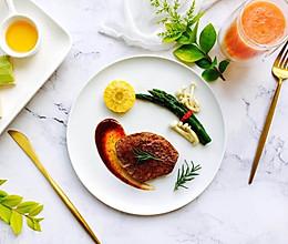 迷迭香黑椒牛扒减脂餐#颜值美食·越吃越享瘦#的做法