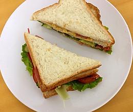 日式鸡蛋火腿芝士三明治的做法