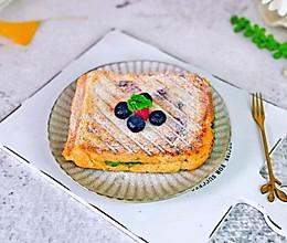 #我们约饭吧#花生酱三明治的做法