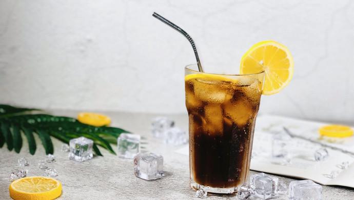能换半晚安睡的鸡尾酒—长岛冰茶