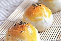 秋风起~蛋黄酥 #长帝烘焙节#的做法