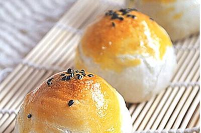 秋风起~蛋黄酥 #长帝烘焙节#