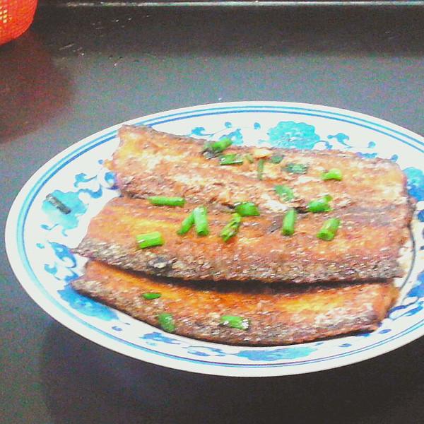 油煎带鱼的做法