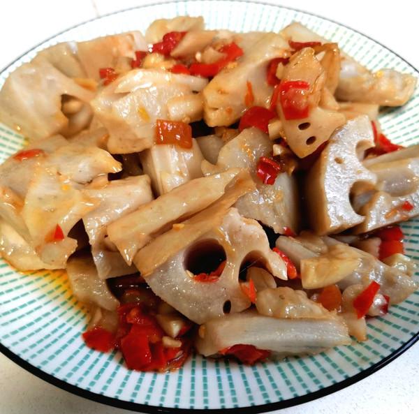 2分钟就能开饭的剁椒炒藕的做法