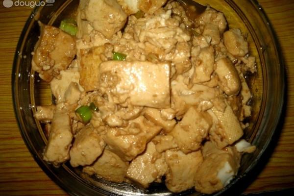 葱香酱烧豆腐的做法