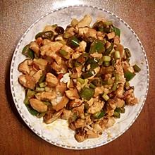 香菇鸡丁拌饭