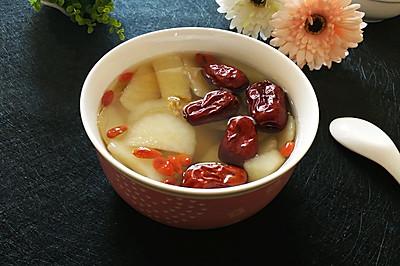 冰糖雪梨红枣汤