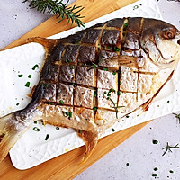 #一人一道拿手菜#烤金鲳鱼的做法图解15