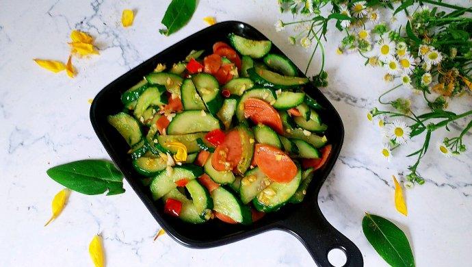 #花10分钟,做一道菜!#火腿肠炒黄瓜