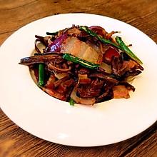 茶树菇焖腊肉
