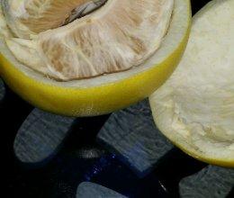 剥柚子的简便方法的做法