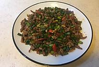 蒜苔炒鸡胗的做法