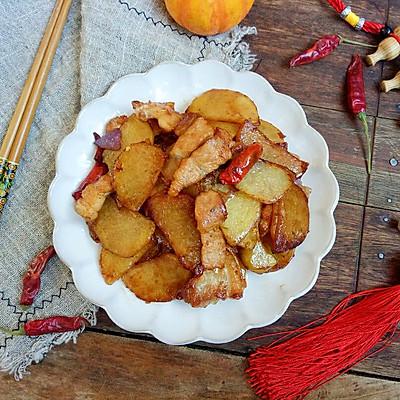 干煎五花肉土豆片,让你连吃三顿都吃不够!