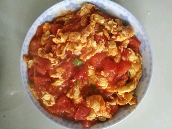 西红柿炒鸡蛋(苜蓿柿子)的做法