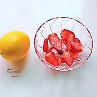 草莓鸡尾酒的做法图解2