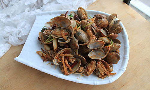 轻松做小海鲜—爆炒花蛤的做法