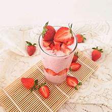 #百变水果花样吃#草莓奶昔